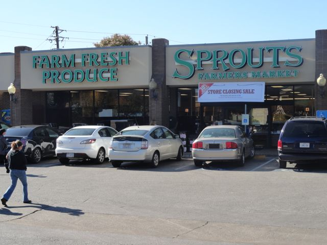 It's official, Fresh Plus to open at Sprouts location
